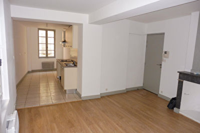 A LOUER - CENTRE VILLE CARPENTRAS - APPARTEMENT T2